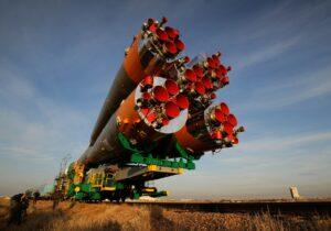 soyuz-rocket-79393_1920